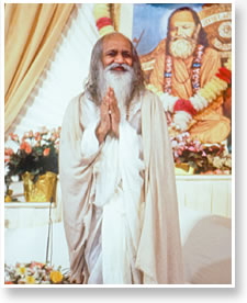 Maharishi in the Patanjali Golden Dome